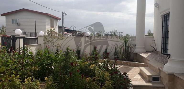 خرید ویلا ساحلی در محمودآباد – ۷۲۴۱
