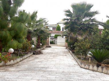 خرید باغ ویلا استخردار در رویان-۶۵۵۱
