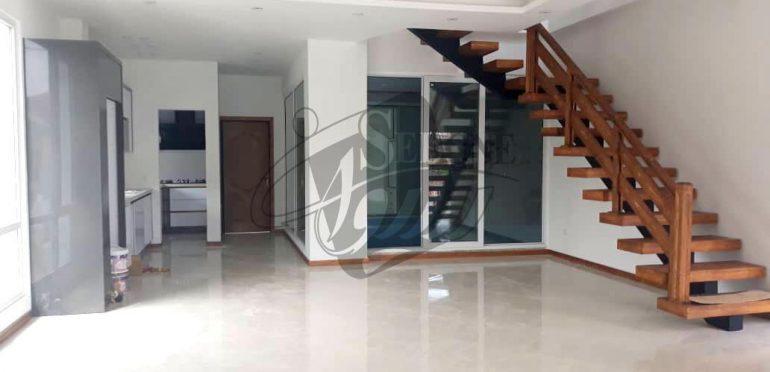 خرید ویلا استخردار در رویان-۶۶۹۳